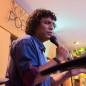 Live do cantor Kennedy Fialho exalta o amor e leva mensagem de esperança atraves da música e poesia
